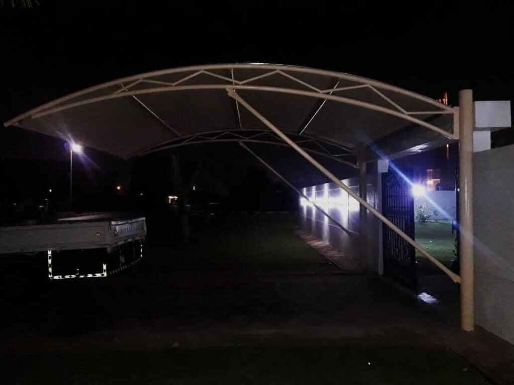bottom support cantilever parking tent